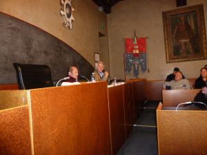 Leonardo Zanier e Giuseppe Marini in un momento della serata a Palazzo Boton a Gemona